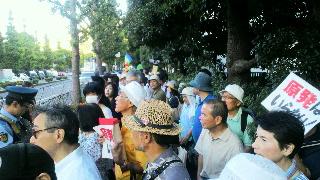 8月3日も国会包囲デモに来ました。